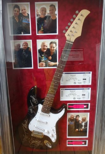 Click to view Stereophonics signed guitar