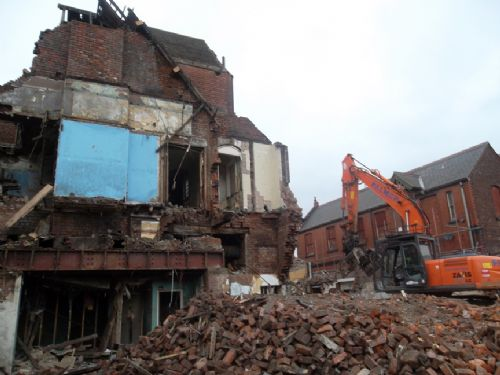 Click to view Langworthy Hotel Demolition March 2012
