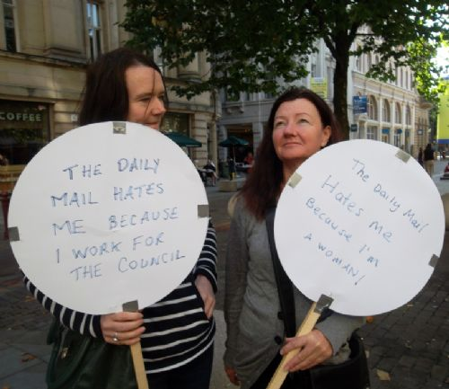 Click to view THE DAILY MAIL HATES BRITAIN PROTEST MANCHESTER