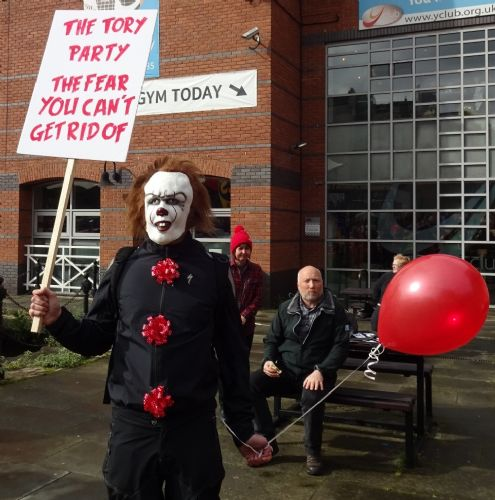 Click to view Huge demo against Manchester Conservative Party Conference