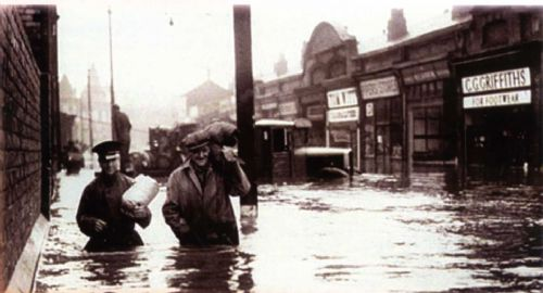 Click to view Salford Flood 1946