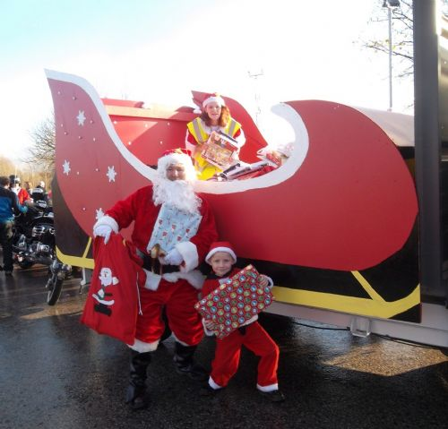 Click to view Vesperados Santa Run To Christie's