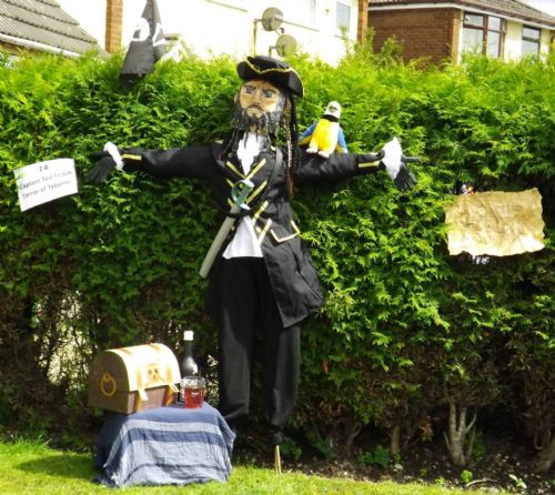 Click to view Mosley Common Scarecrow Festival