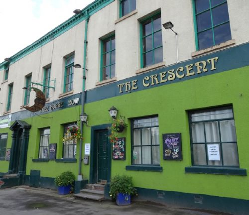 Click to view The Crescent pub Salford